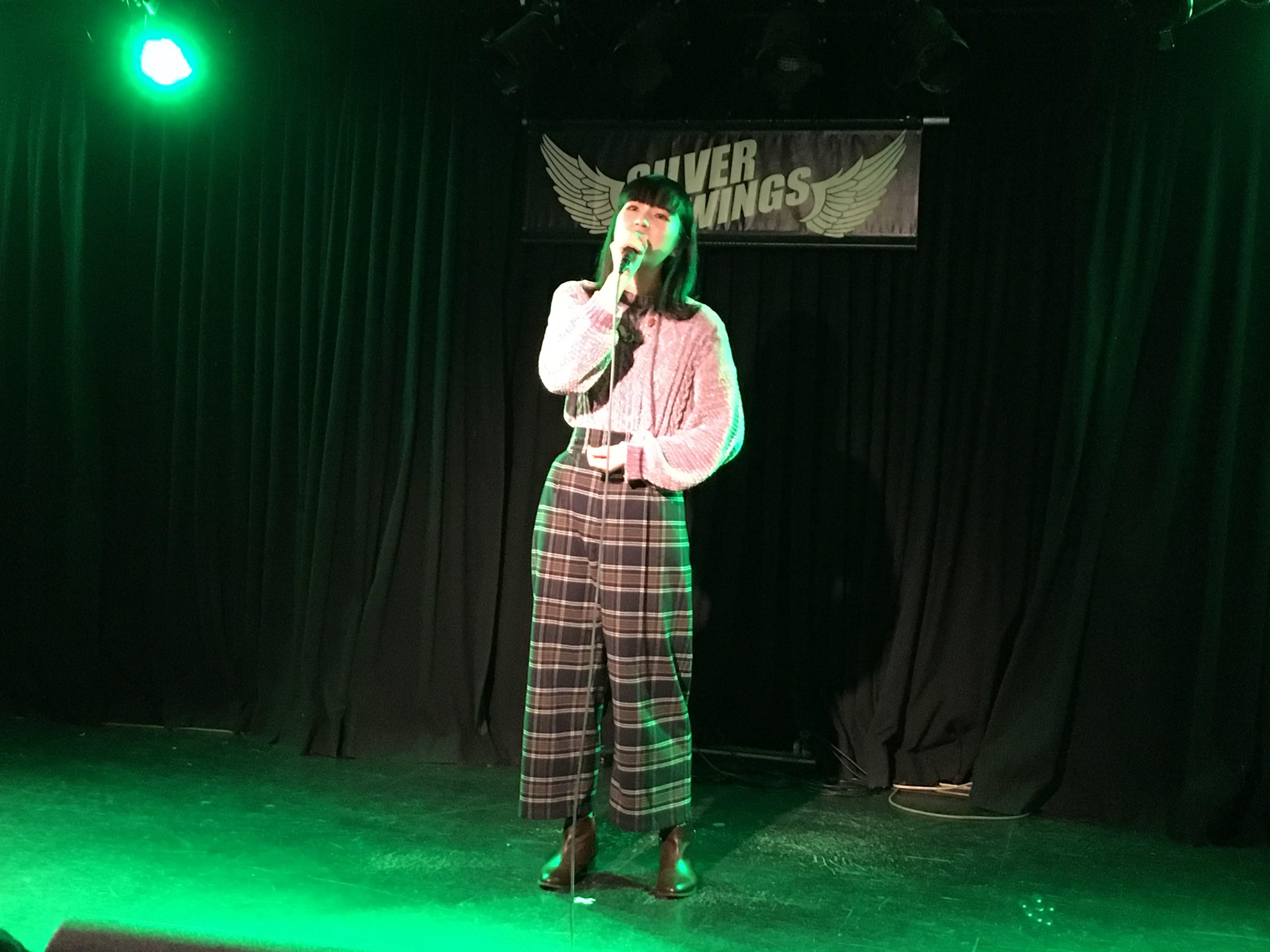 レミゼラブルで有名な曲を英語で堂々と歌いました。